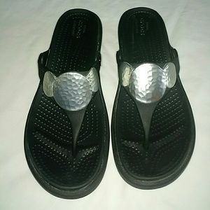 Crocs wedge sandals black & silver thong